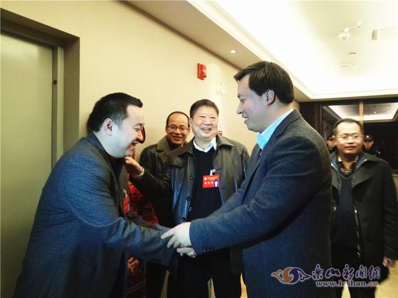 张彤看望慰问市政协委员