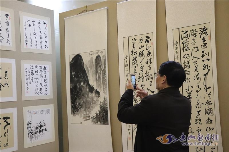 诗书画艺术研究院纪念改革开放40年作品展开展