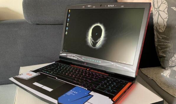 出台外星人17 R5国行2018款笔记本电脑,I9 8950.32G内存,1080 8G显卡,512固态+1TB,...