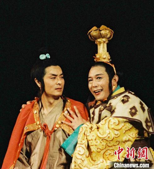 北京人藝首開線上直播劇本朗讀《天之驕子》用聲音展現舞臺魅力