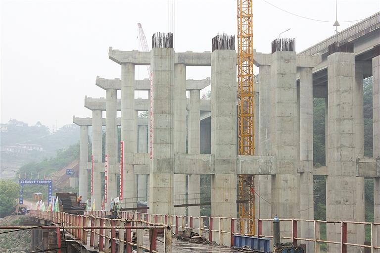 五犍沐快速公路岷江特大桥预计明年春节前合龙