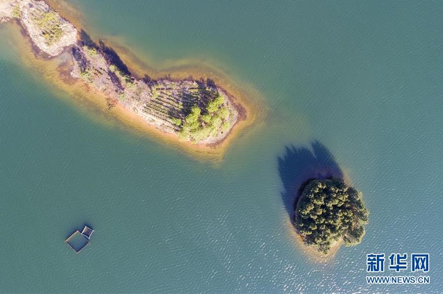 湖光山色景如畫